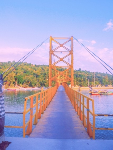 Things to do in Nusa Lembongan Yellow Bridge