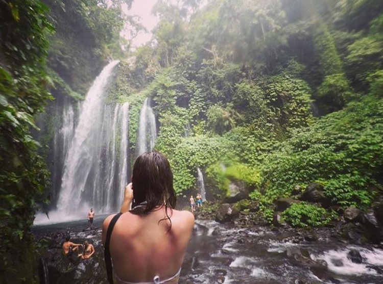 Travel Itinerary for a day trip to Lombok - one of the best things to do in lombok is to visit Tiu Kelep waterfall